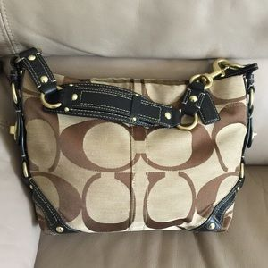 Authentic Coach Carly Hobo Bag!!